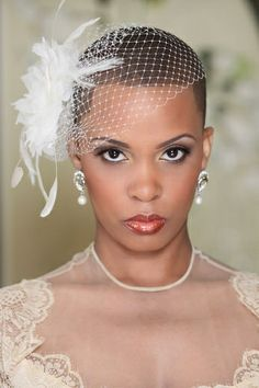 Wedding hairstyle for short hair with veil