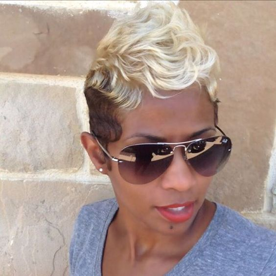 Rock The Blonde Look With This Super Cute And Fashion Forward Platinum Brown Mohawk What Makes Style Unique Are Perfect Finger Waves